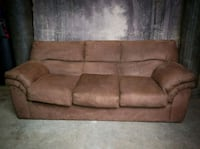 Hidebed couch Maple Ridge