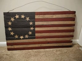 Wooden Vintage Colonial Flag pickett fence