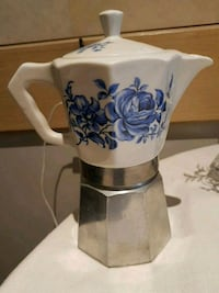 Porcelain and aluminum French press