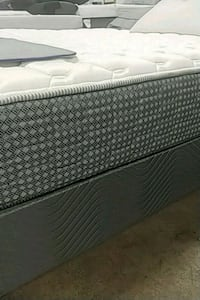 Queen mattress set Milwaukie, 97267
