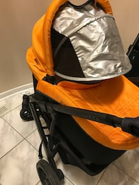 Uppababy stroller with Chicco car seat with 2 bases and adaptor Toronto, M5C 3B2
