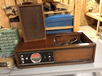 vintage brown wooden framed transistor radio Kitchener, N2G 1P6