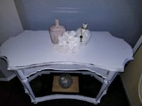beautiful Bombay accent or entryway table refinished  Edmonton, T5Y 2S9