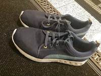 Puma sneakers good condtion US 10.5 Vancouver, V5X 1R8