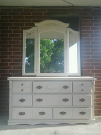 $80 FIRM Solid wood dresser with mirror  Houston, 77012