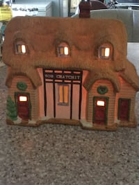 Lighted ceramic Christmas house  Congers, 10989