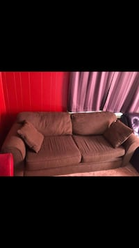 Green cloth couch Columbia, 29205