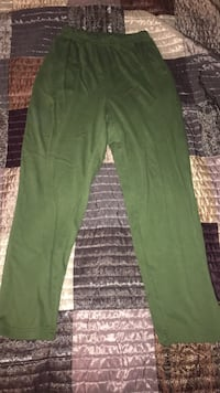 Green sweat pants Smithsburg, 21783