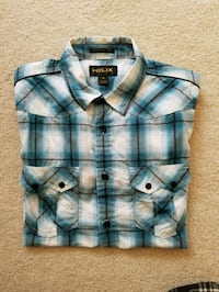 EUC shirt.. size M. wore few times only Peoria, 61615