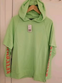 Forever 21 Men's Athletic hoodie in size small Montréal, H4N 0B6