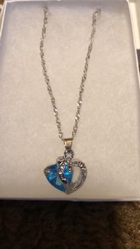Women's turquoise blue double heart silver necklace necklace 22 inch chain  Hasbrouck Heights, 07604