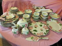 Franciscan Desert Rose service of 8 with extras. T Whitehouse, 75791