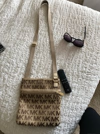 MK cross body bag  Huntington Beach, 92648