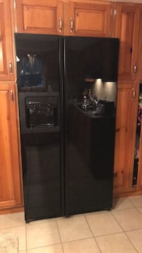 Counter depth side by side refrigerator  324 mi