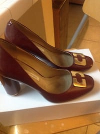 brown leather gold buckled accent chunky heels with box San Diego, 92129