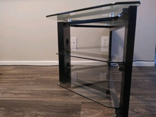 (Or best offer) 3 Level Glass & Oak TV Stand 38353e84-48c5-48cd-aa2e-87ad4918c2d5