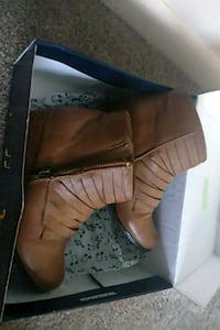 pair of brown leather boots Bessemer, 35023