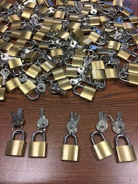 Locked set new   $.50 cents each pick up in Addison