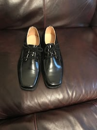 pair of black leather dress shoes Pickering, L1W 3Z2