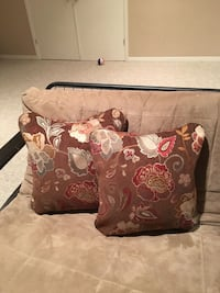 Brand new never used throw pillows.  $25 /pillow Dollard-Des Ormeaux, H9A 2M5