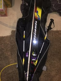 *Brand New Rossignol Skis and polls ~never used~