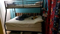 Twin over full bunk bed Toronto, M1H 3J2