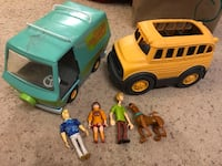Scooby doo can set and school bus Madison, 53705
