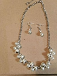 Pearl, Rhinestone, and silver Necklace set