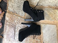 pair of black leather heeled shoes San Diego, 92108