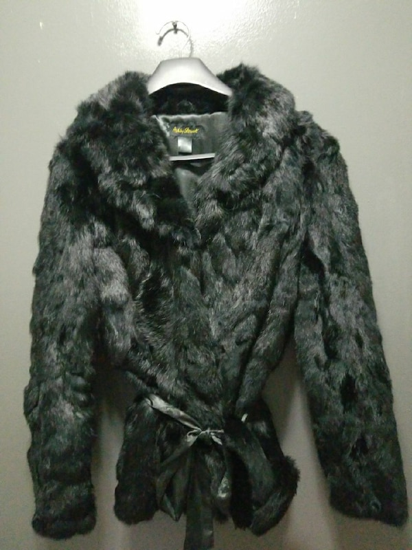 db48344327c Used black and gray furred coat for sale in Dearborn Heights - letgo
