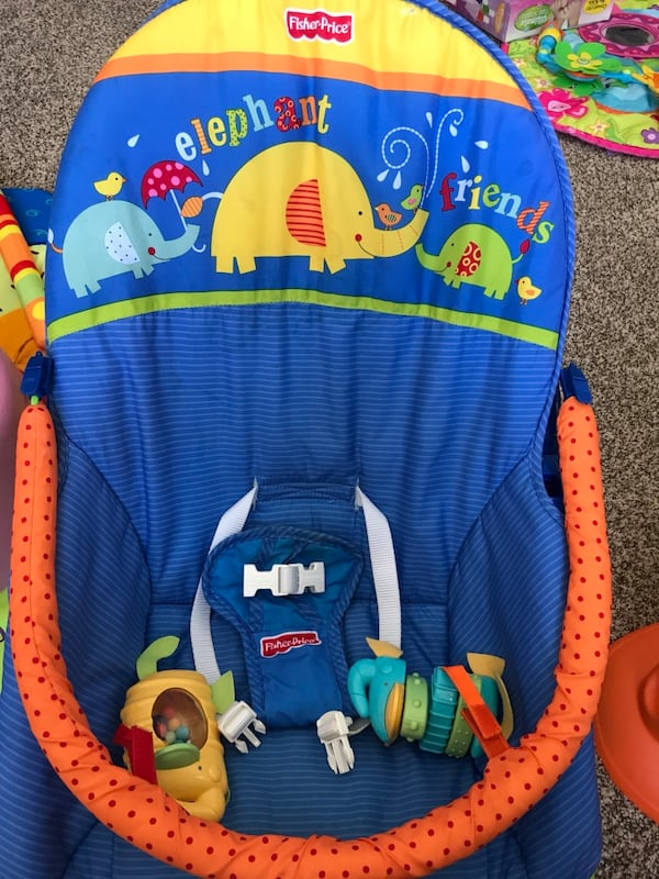 Fisher Price Infant to Toddler Rocker f20948c2-a612-4899-b619-a559fc22e630