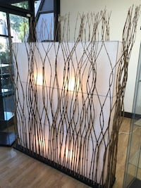 Decorative divider with lights