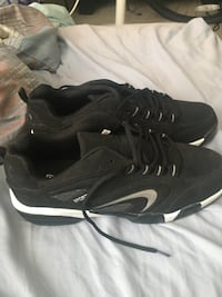 Running unisex sport shoes size 15