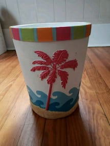 Tropical wastebasket/trashcan