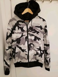 Men's casual hooded jacket in size XL Montréal, H4N 1M1