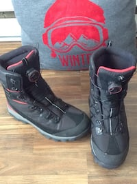 Winter boots for men size 11 new , L2G 6X8