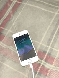 silver iPhone 6 & gold 5s Columbus, 31907