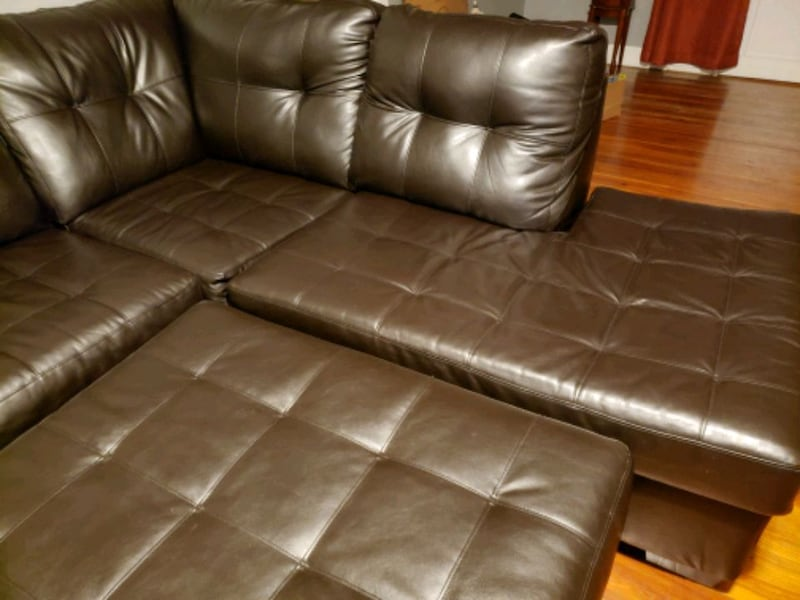Sectional with Ottoman 247873b0-3be5-4a26-ab71-47c3dc212cb1