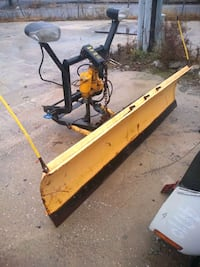 2009 Meyer snow plow with mount honest and controller