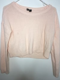 H&M knitted crop top sweater pink size 2 Burnaby, V3J 0A4