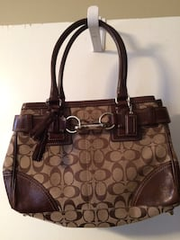 Brown coach leather handbag Nashville, 37013