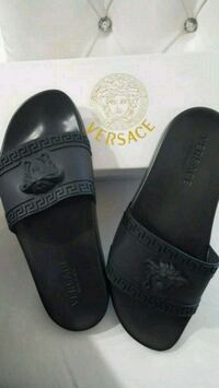 Versace slippers with box  Mississauga, L5W 1P1