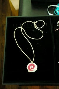 Pink and white stone pendant necklace  Mississauga, L5K 2G9