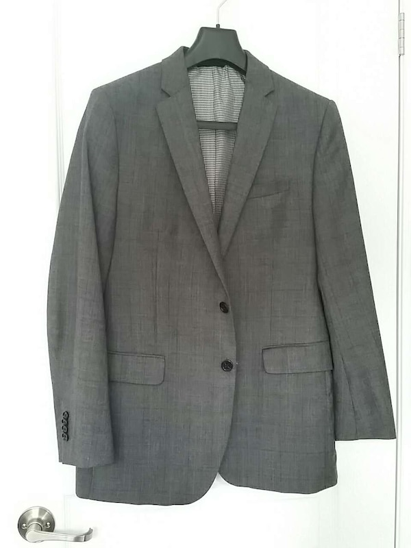 ce669e193429 Used Banana Republic grey checked men s suit jacket for sale in Mississauga  - letgo
