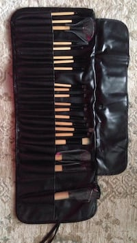 21 of 24 makeup brush set Kitchener