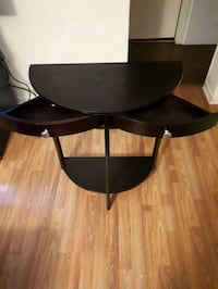 Accent/entrance table