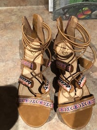 Pair of brown leather open toe ankle strap heels sandals size 3 Windsor, N9G 3C1