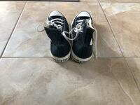 Black used size 11 converse  Mississauga, L5N 6Z6