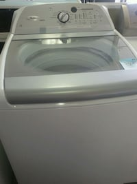white top-load washing machine Laval, H7L 5J9