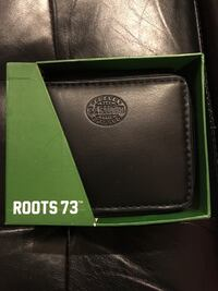 """** BRAND NEW MEN'S """"ROOTS"""" WALLET Guelph, N1G 5A9"""